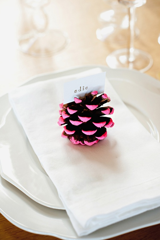 dipped-pinecone-placecard-holder